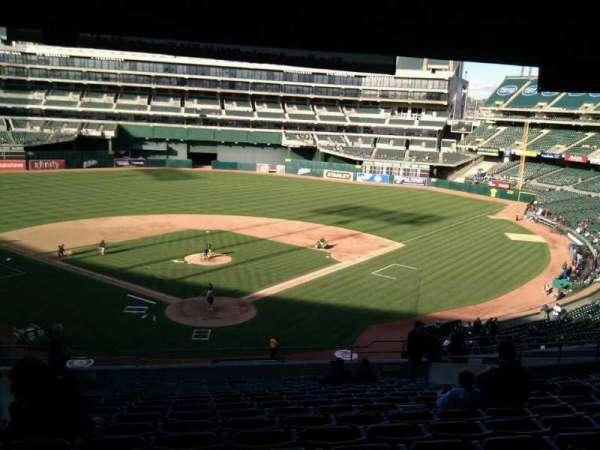 Oakland Coliseum, secção: 217, fila: 17, lugar: 10