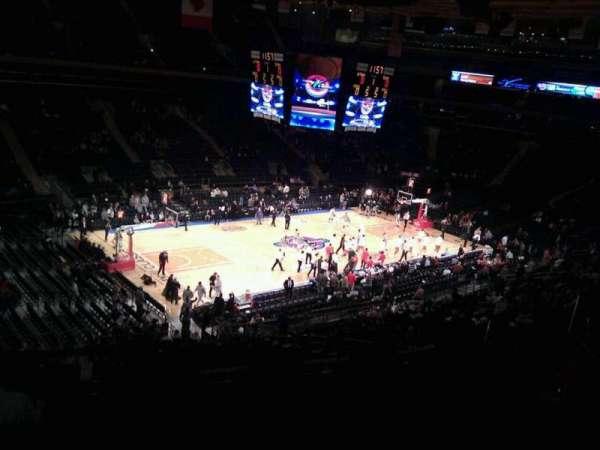 Madison Square Garden, secção: 208, fila: 6, lugar: 13