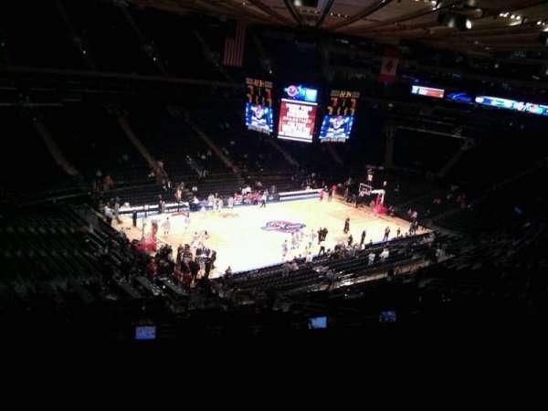 Madison Square Garden, secção: 221, fila: 13, lugar: 6