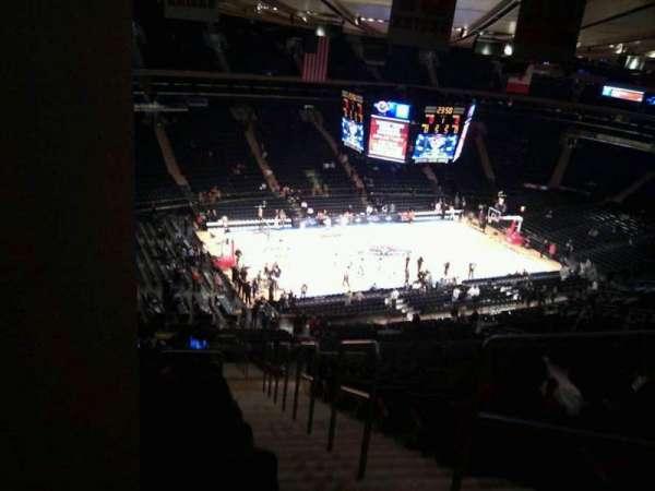 Madison Square Garden, secção: 221, fila: 22, lugar: 23