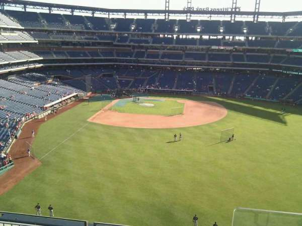 Citizens Bank Park, secção: 303, fila: 4, lugar: 1