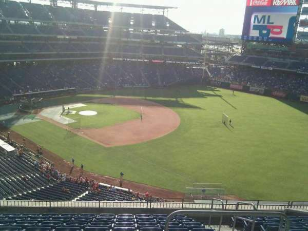 Citizens Bank Park, secção: 310, fila: 10, lugar: 3