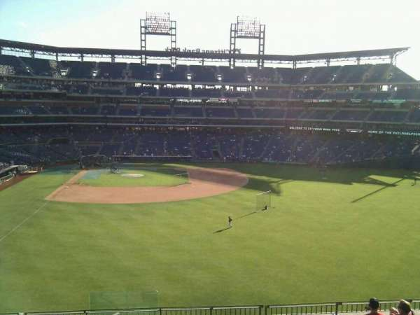 Citizens Bank Park, secção: 203, fila: 9, lugar: 24