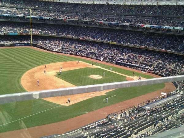 Yankee Stadium, secção: 328, fila: 1, lugar: 8