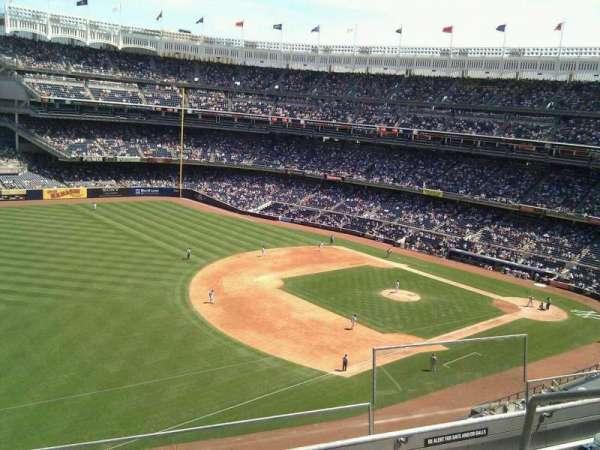 Yankee Stadium, secção: 329, fila: 4, lugar: 4