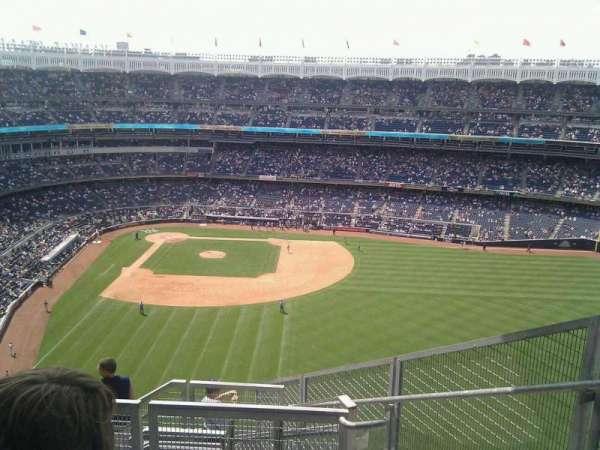 Yankee Stadium, secção: 405, fila: 4, lugar: 4