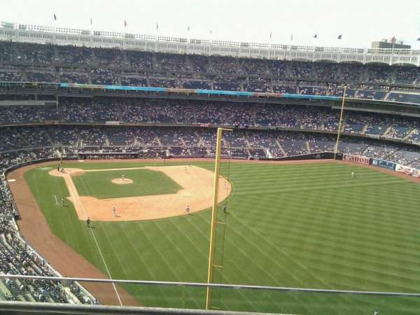 Yankee Stadium, secção: 407b, fila: 3, lugar: 8