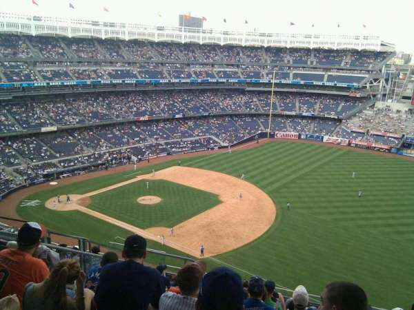 Yankee Stadium, secção: 412, fila: 10, lugar: 17