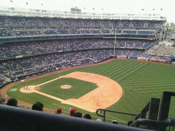 Yankee Stadium, secção: 413, fila: 7, lugar: 1