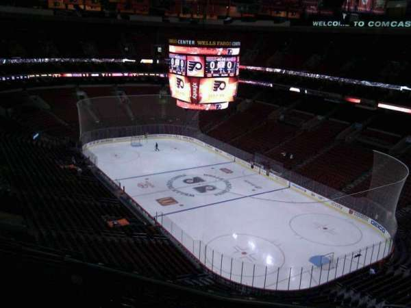 Wells Fargo Center, secção: 205, fila: 12, lugar: 12