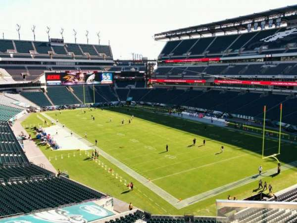 Lincoln Financial Field, secção: NE Terrace 3, fila: 3, lugar: 33