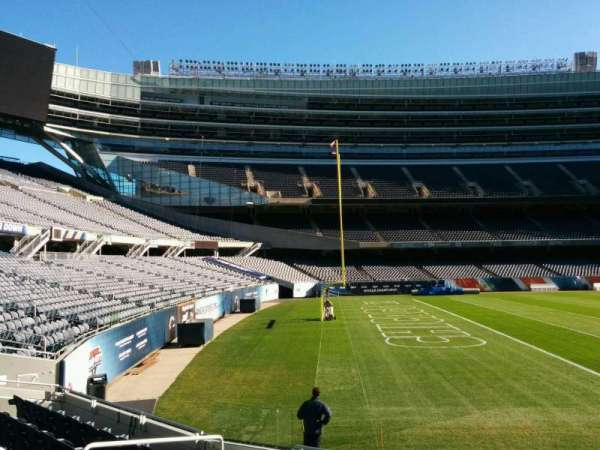 Soldier Field, secção: 144, fila: 8, lugar: 8