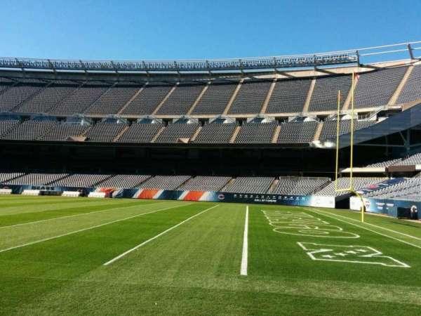 Soldier Field, secção: 104, fila: sideline, lugar: 6