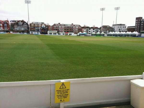 County Cricket Ground (Hove), secção: spen cama pavilion, fila: b, lugar: 67