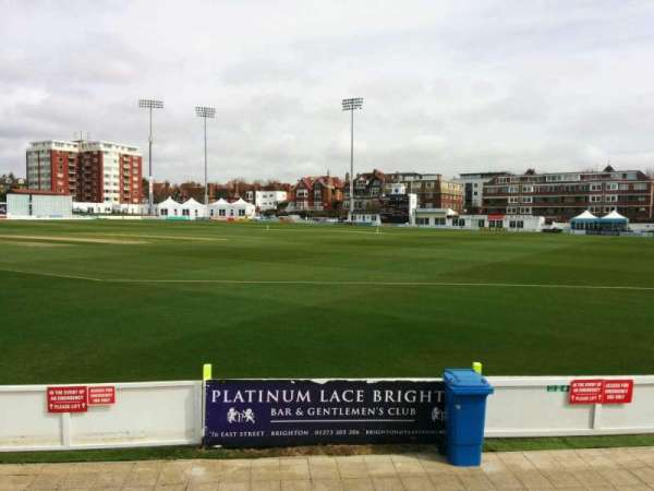 County Cricket Ground (Hove), secção: D, fila: f, lugar: 63