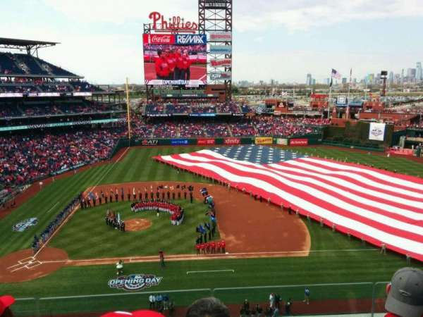 Citizens Bank Park, secção: 315, fila: 4, lugar: 19