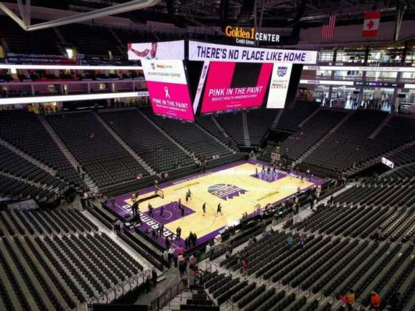 Golden 1 Center, secção: 208, fila: a, lugar: 13