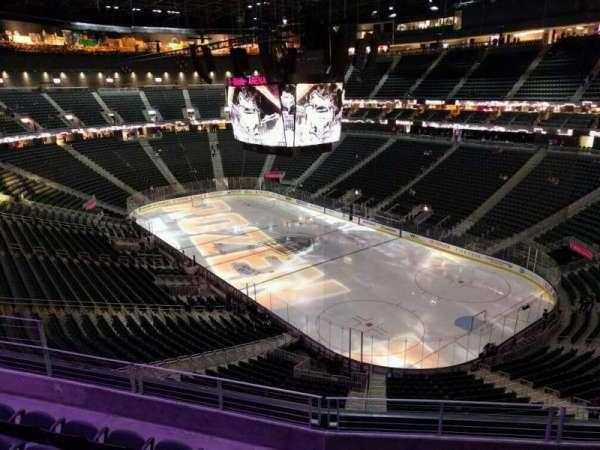 T-Mobile Arena, secção: 210, fila: e, lugar: 10