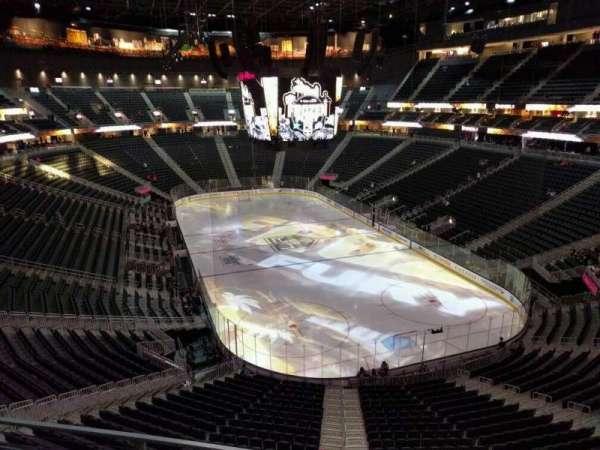 T-Mobile Arena, secção: 212, fila: b, lugar: 7