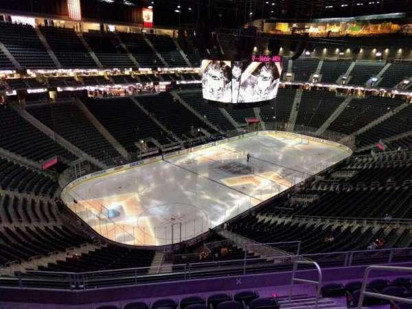 T-Mobile Arena, secção: 218, fila: g, lugar: 13