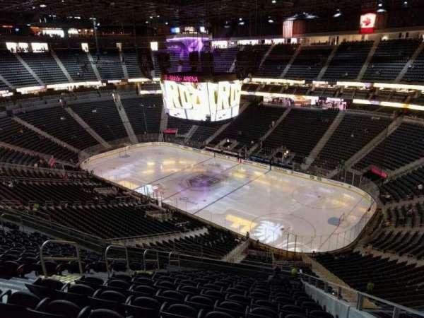 T-Mobile Arena, secção: 227, fila: n, lugar: 8