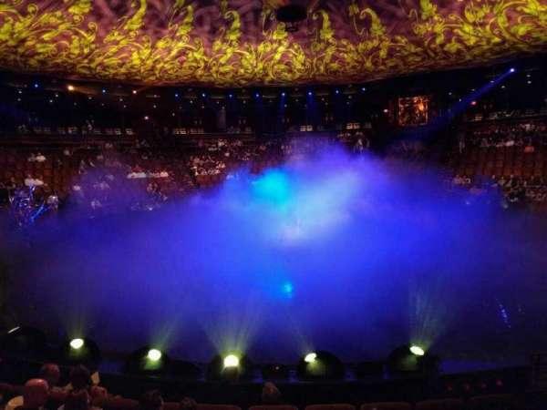 Wynn Theatre, secção: a, fila: f, lugar: 9