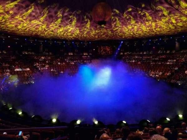 Wynn Theatre, secção: a, fila: h, lugar: 28