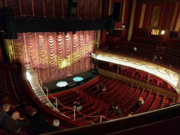 Folies Bergere, secção: galerie, fila: a, lugar: 37
