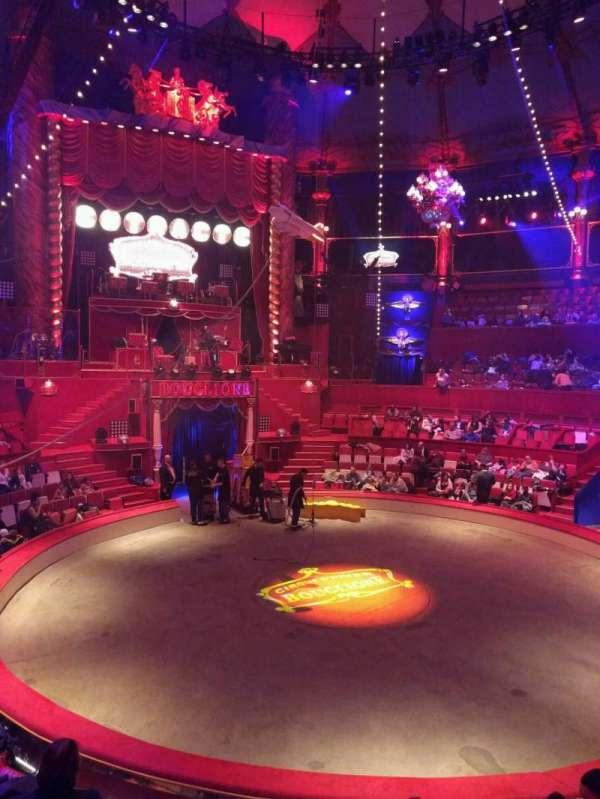 Cirque d'hiver, secção: B, fila: a, lugar: 23