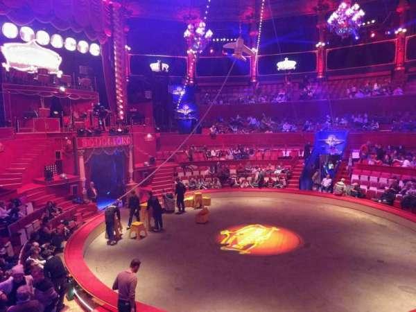 Cirque d'hiver, secção: B, fila: a, lugar: 35