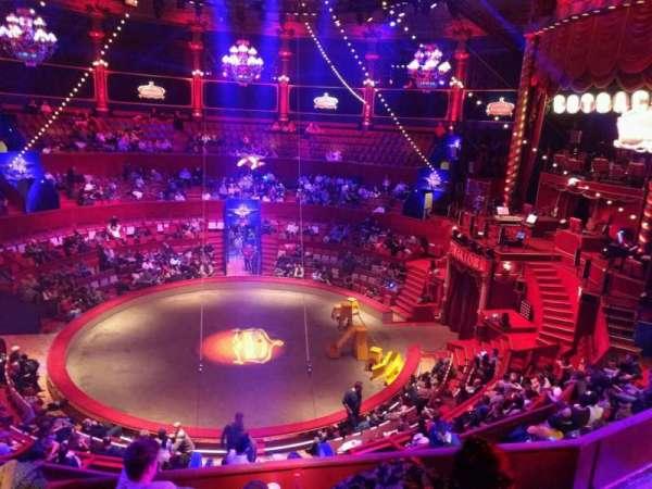 Cirque d'hiver, secção: C, fila: E, lugar: 100
