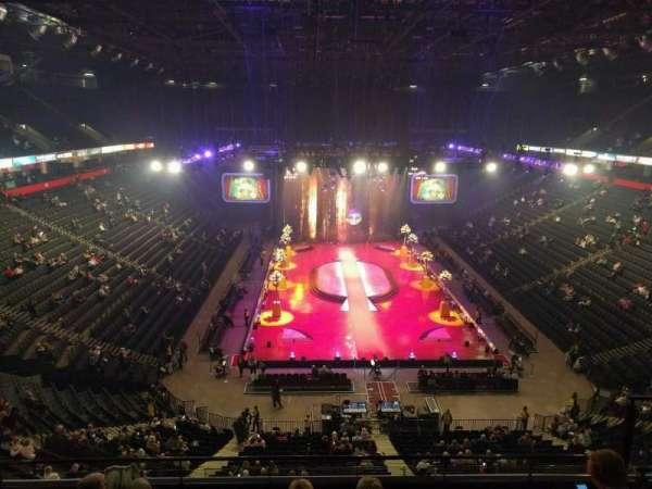 Manchester Arena, secção: 208, fila: f, lugar: 18
