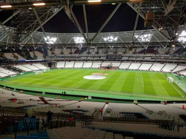 London Stadium, secção: 238, fila: 58, lugar: 358