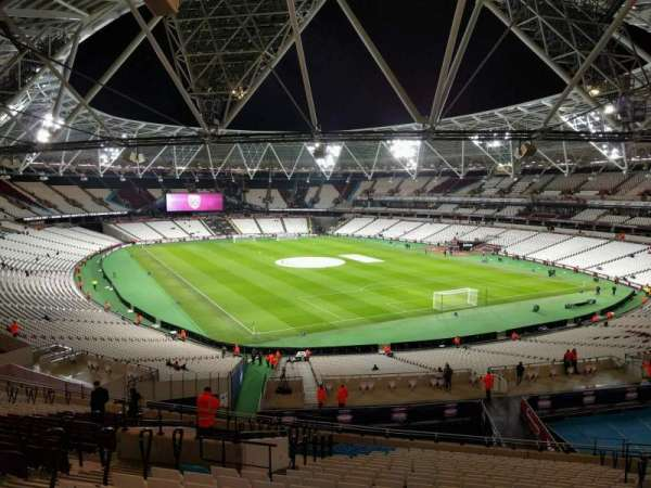 London Stadium, secção: 245, fila: 53, lugar: 140