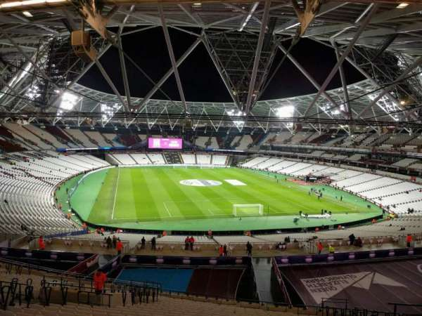 London Stadium, secção: 248, fila: 57, lugar: 72