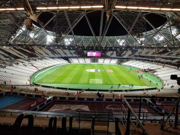 London Stadium, secção: 250, fila: 61, lugar: 003