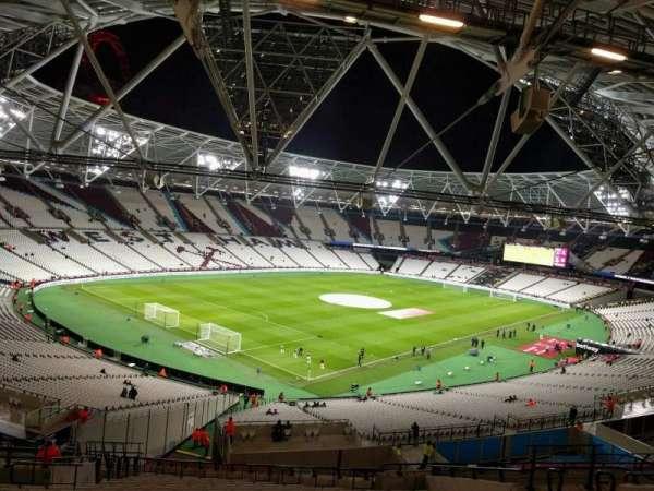 London Stadium, secção: 256, fila: 57, lugar: 666