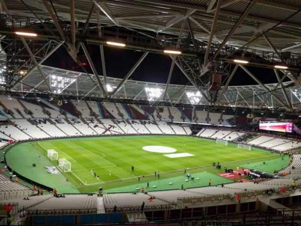London Stadium, secção: 203, fila: 61, lugar: 601