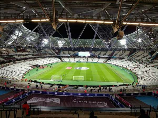 London Stadium, secção: 222, fila: 63, lugar: 854