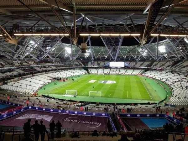 London Stadium, secção: 223, fila: 65, lugar: 826
