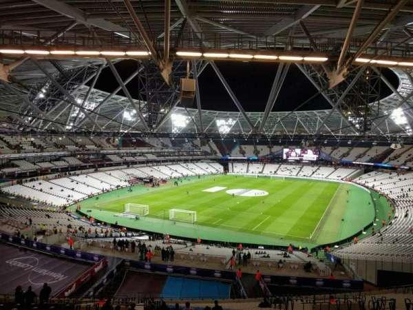 London Stadium, secção: 225, fila: 61, lugar: 763