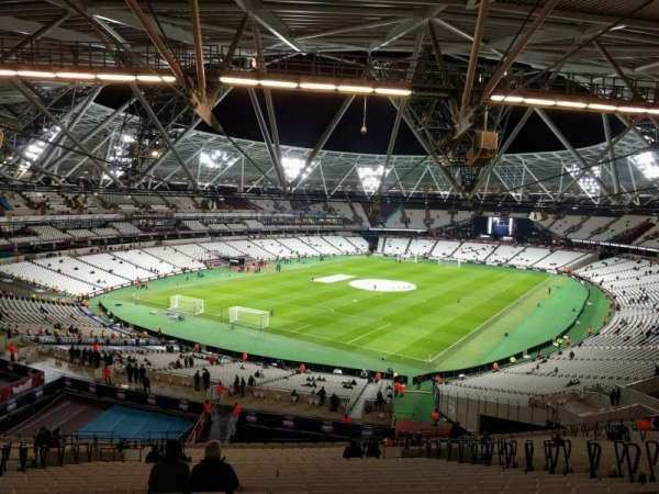 London Stadium, secção: 227, fila: 63, lugar: 727