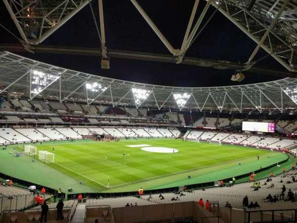 London Stadium, secção: 230, fila: 44, lugar: 632