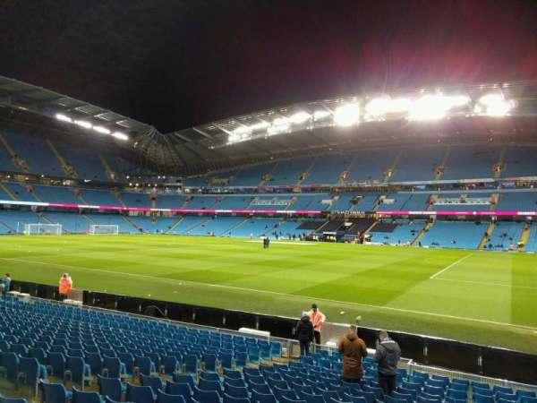 Etihad Stadium (Manchester), secção: 101, fila: r, lugar: 19