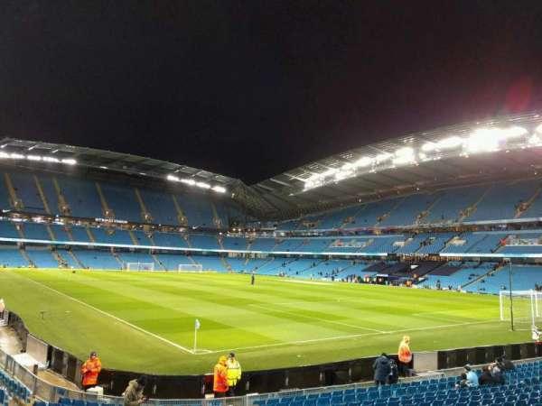 Etihad Stadium (Manchester), secção: 140, fila: s, lugar: 1126