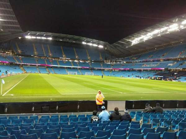 Etihad Stadium (Manchester), secção: 139, fila: k, lugar: 1096