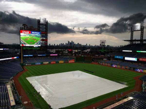 Citizens Bank Park, secção: 310, fila: 5, lugar: 21