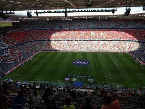 Allianz Arena, secção: 304, fila: 22, lugar: 8