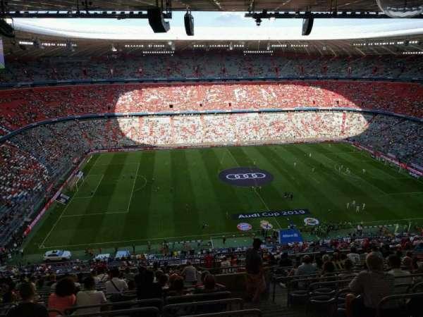 Allianz Arena, secção: 302, fila: 19, lugar: 13