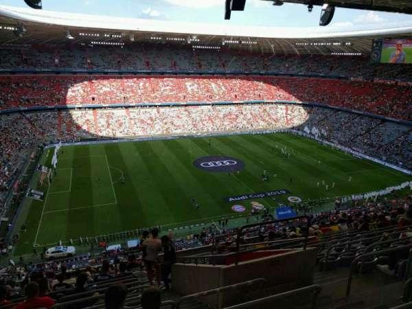 Allianz Arena, secção: 301, fila: 15, lugar: 11